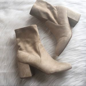 Marc Fisher heeled ankle boots suede zipper 10M